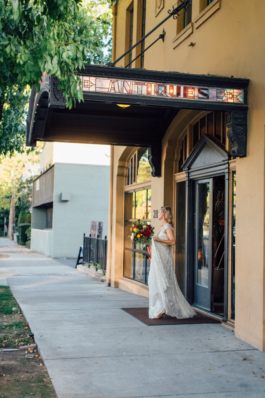 Whitney kent alluring events and design for Antiquite maison privee sacramento ca